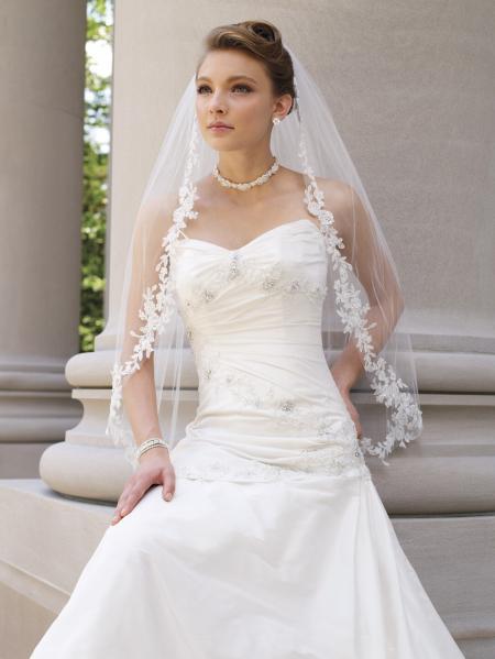 Свадебное греческое платье с фатой
