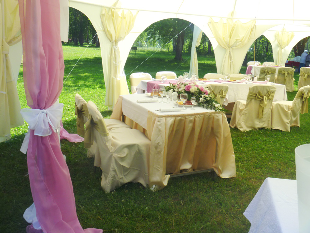 свадьба в шатре на улице